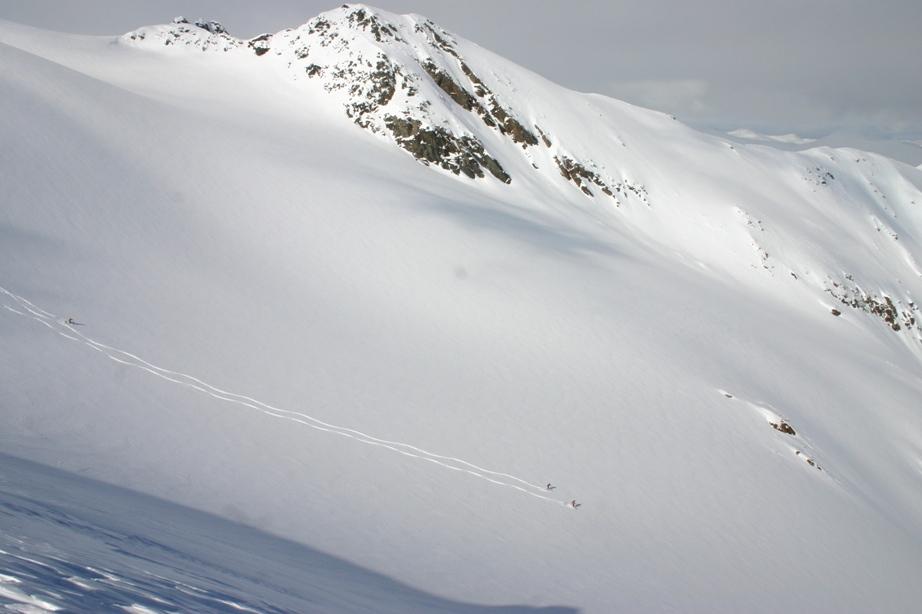 heli-skiing canada